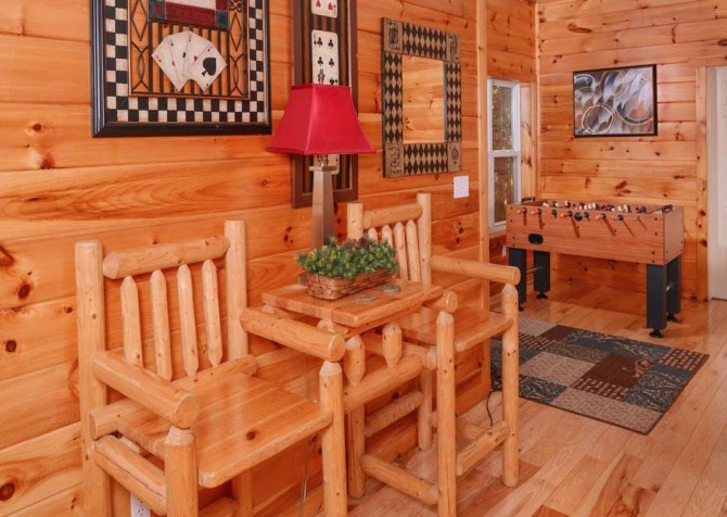 Gatlinburg Cabin- Absolute Heaven - Foosball Table