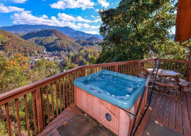 Gatlinburg Cabin- Absolute Heaven - Outdoor Hot Tub