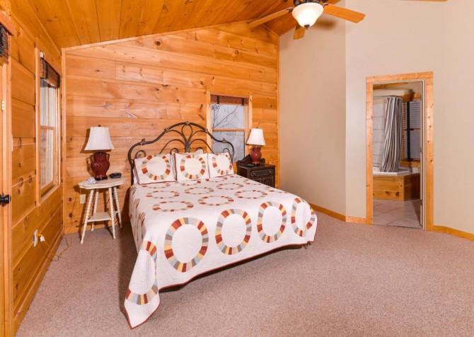 Gatlinburg Cabin- Alpine Air  – Bedroom 2