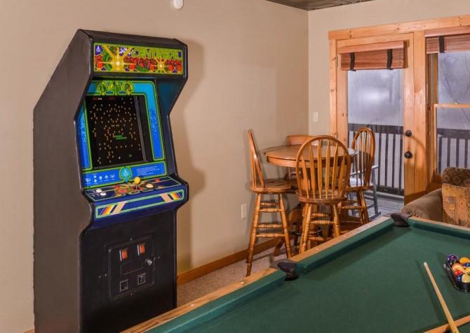 Gatlinburg Cabin- Alpine Air  – Standup Arcade Game