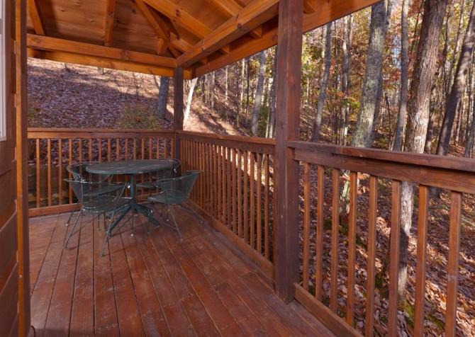 Gatlinburg Cabin- Amy's Place – Deck