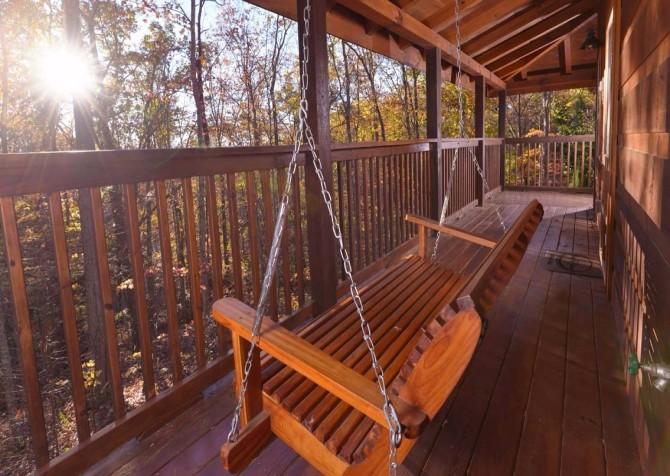 Gatlinburg Cabin- Amy's Place – Deck View