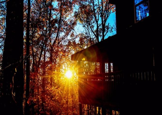 Gatlinburg Cabin- Amy's Place – Dusk Exterior