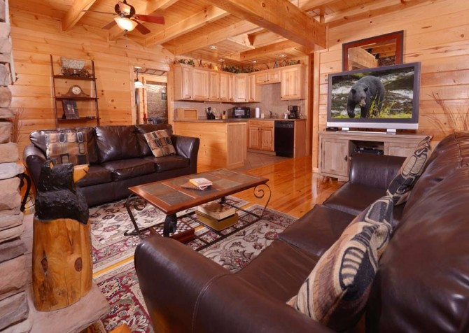 Gatlinburg Cabin- Amy's Place – Living Room