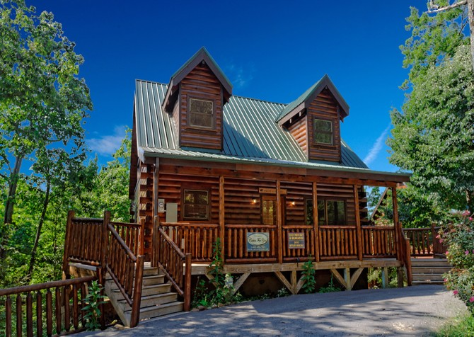 Gatlinburg Cabin- Another Day in Bearadise – Exterior