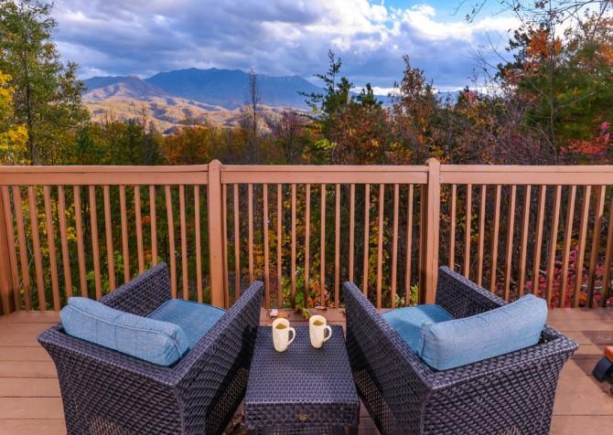 Gatlinburg Cabin- Apparent Seclusion– Deck View