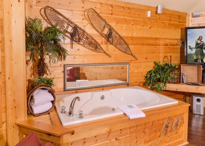 Gatlinburg Cabin- Apparent Seclusion– Indoor Jetted Tub