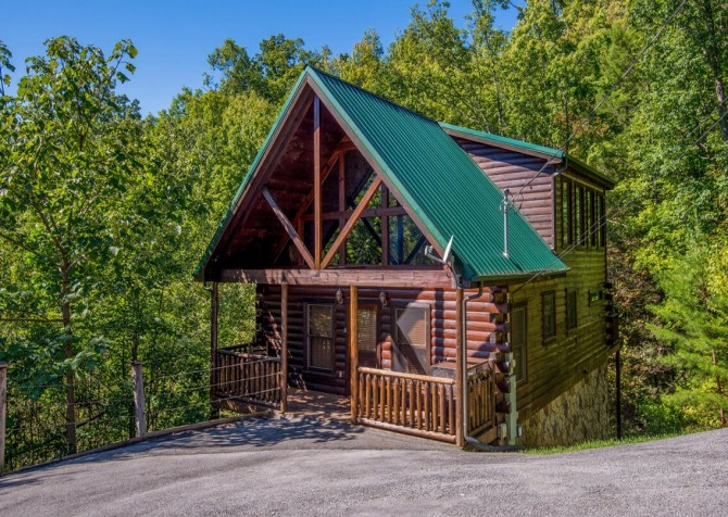 Gatlinburg Cabin -As Good As It Gets – Exterior
