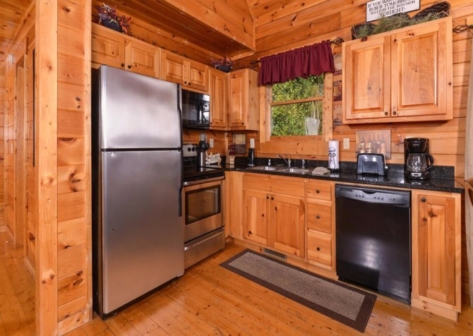Gatlinburg Cabin -As Good As It Gets – Kitchen