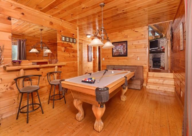 Gatlinburg Cabin -As Good As It Gets – Pool Table