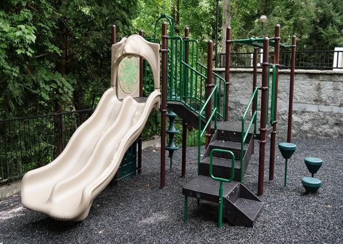 Gatlinburg Cabin - Bearfoot Lodge - Resort Playground