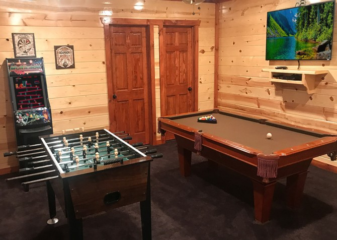 Pigeon Forge - Emerald and Evergreen At Sherwood - Game room