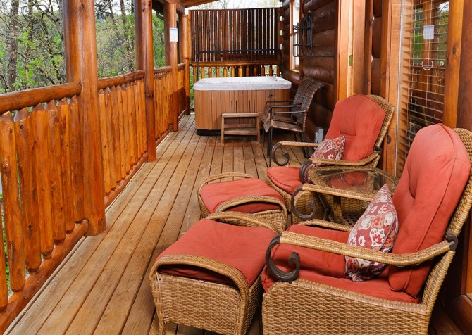 Pigeon Forge - Absolutely Wonderful - Deck Outdoor Hot Tub
