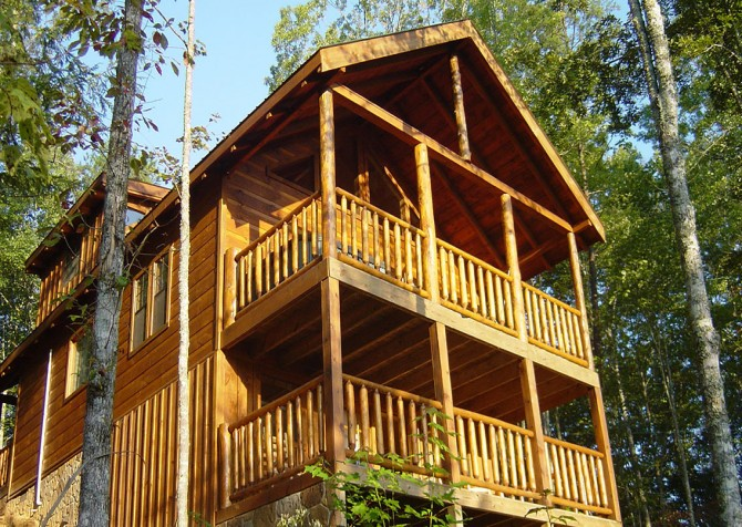 Pigeon Forge Cabin- Almost Bearadise - Back Exterior