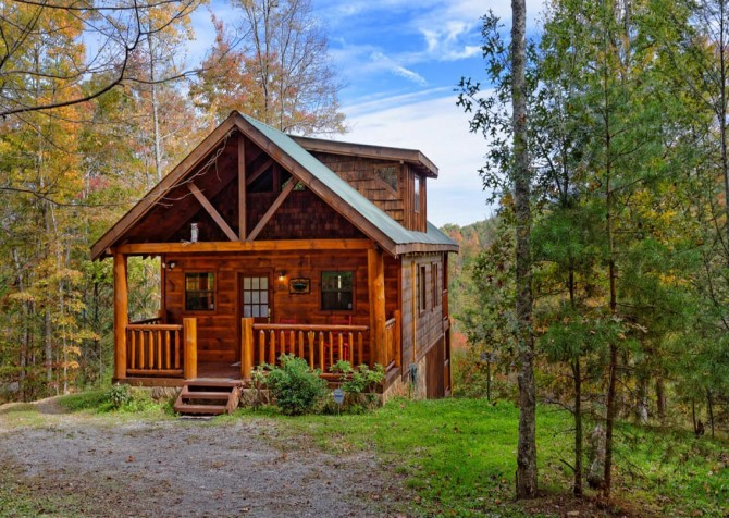 Pigeon Forge Cabin- Almost Bearadise - Front Exterior