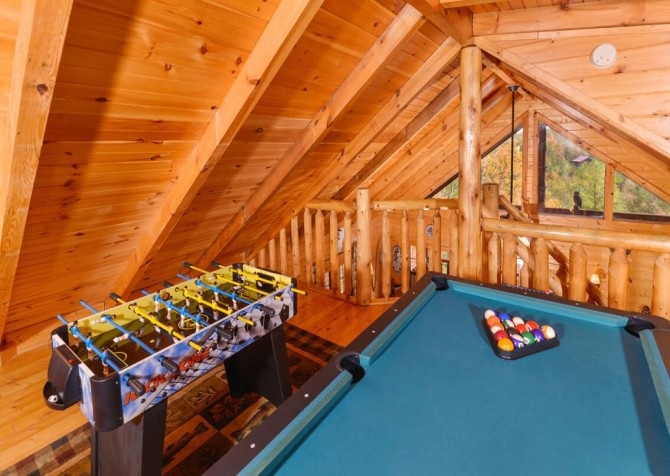 Pigeon Forge Cabin- Almost Bearadise - Game Room