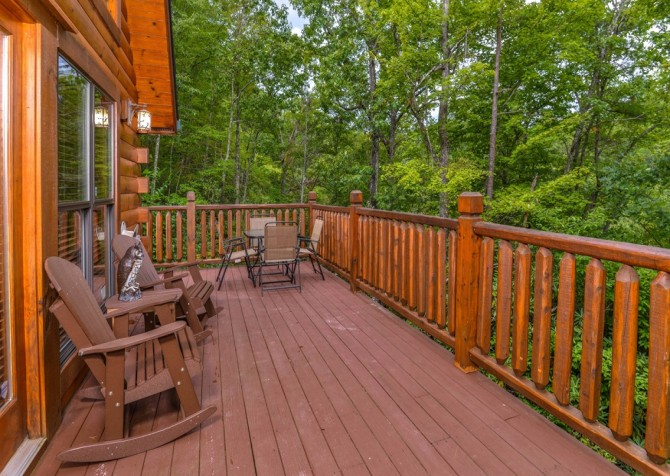 Pigeon Forge Cabin- Alone At Last – Deck Rocking Chairs