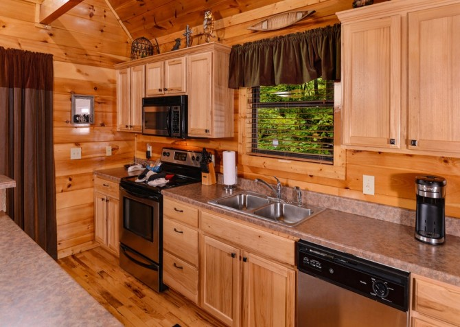 Pigeon Forge Cabin- Alone At Last – Kitchen