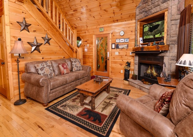 Pigeon Forge Cabin Alone At Last Living Room