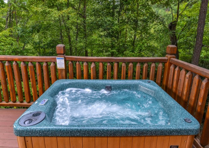 Pigeon Forge Cabin- Alone At Last – Outdoor Hot Tub