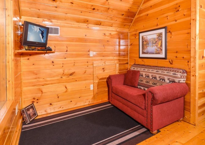Pigeon Forge Cabin- Alone At Last – Sitting Area Sleeper Sofa