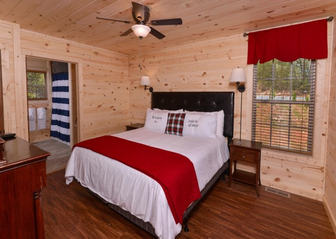 Pigeon Forge Cabin- Along The Right Path – Bedroom 1