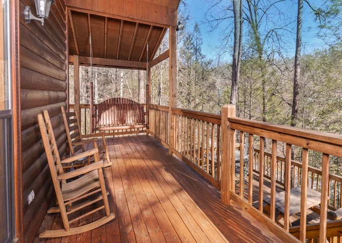 Pigeon Forge Cabin- Amazing Grace – Deck Rocking Chairs