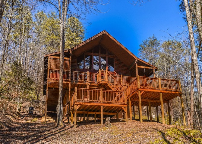 Pigeon Forge Cabin- Amazing Grace – Front Exterior