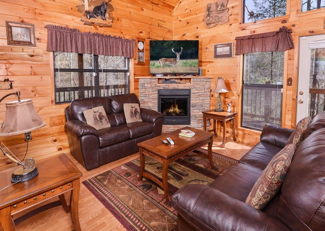 Pigeon Forge Cabin- Amazing Grace – Living Room
