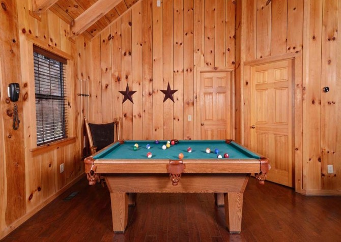 Pigeon Forge Cabin- American Charm – Pool Table