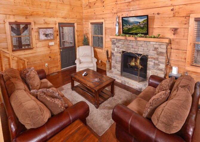 Pigeon Forge Cabin- American Dream – Living Room