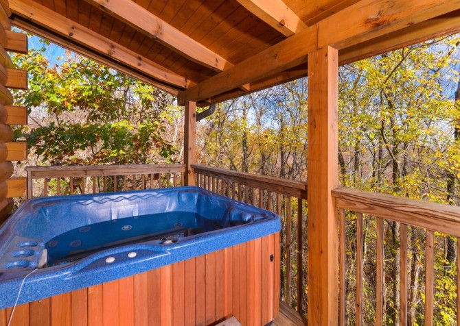 Pigeon Forge Cabin- American Eagle – Outdoor Hot Tub