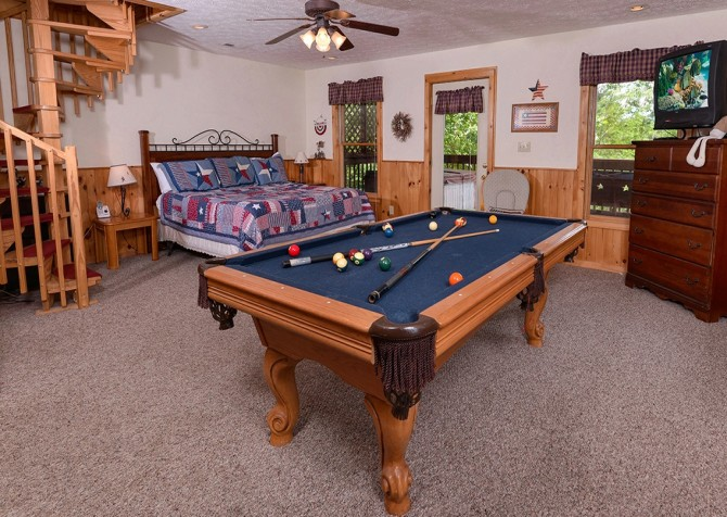 Pigeon Forge Cabin- American Pride – Bedroom With Pool Table