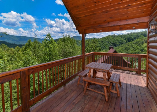Pigeon Forge Cabin- American Pride – Deck