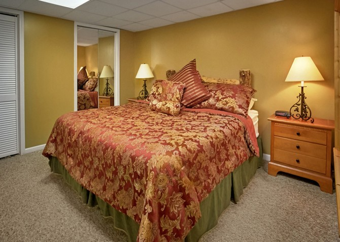 Pigeon Forge Cabin- An Unforgettable Cabin – Bedroom 2