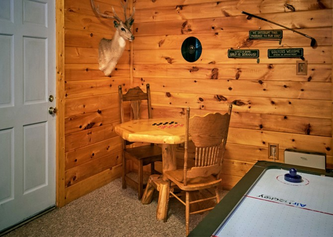Pigeon Forge Cabin- An Unforgettable Cabin – Checkers Table