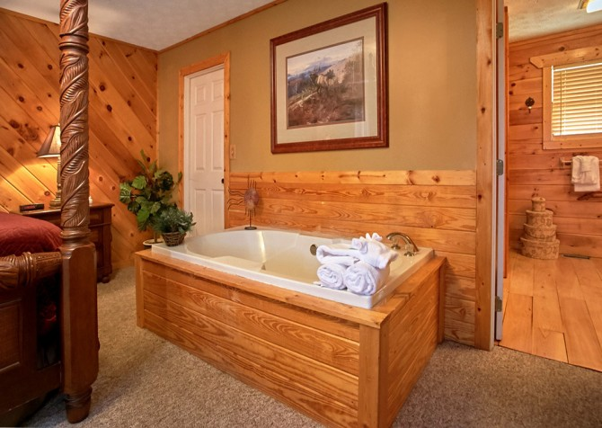 Pigeon Forge Cabin- An Unforgettable Cabin – Indoor Jetted Tub