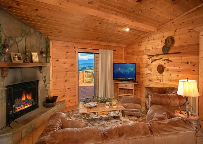 Pigeon Forge Cabin- An Unforgettable Cabin – Living Room