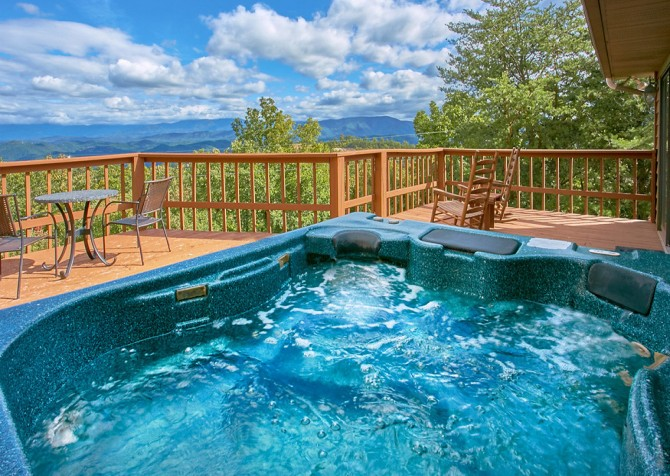 Pigeon Forge Cabin- An Unforgettable Cabin – Outdoor Hot Tub
