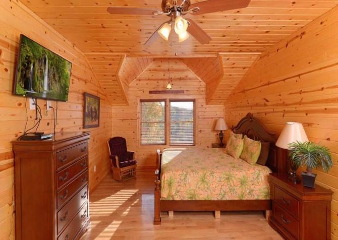 Pigeon Forge Cabin- Applewood Manor – Bedroom 3
