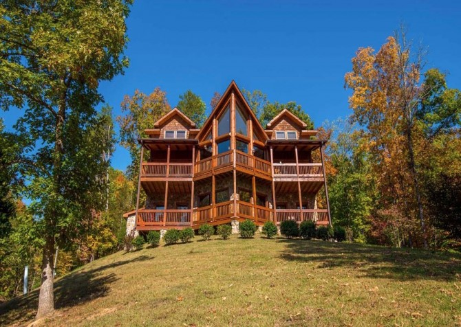 Pigeon Forge Cabin- Applewood Manor – Exterior