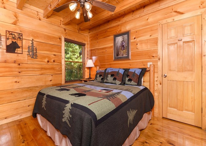 Pigeon Forge Cabin -Awesome Getaway and a Theater – Bedroom 1