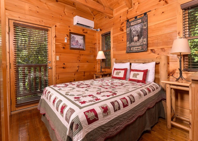Pigeon Forge Cabin -Awesome Getaway and a Theater – Bedroom 4