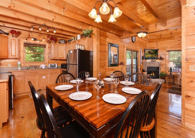 Pigeon Forge Cabin -Awesome Getaway and a Theater – Dining Area - Kitchen