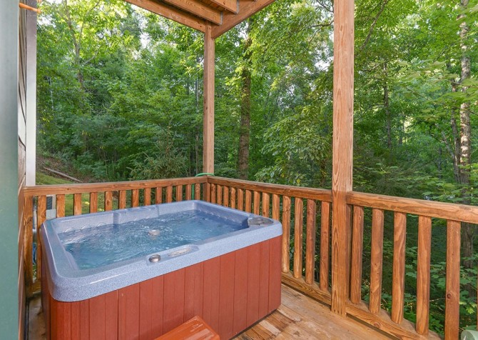 Pigeon Forge Cabin -Awesome Getaway and a Theater – Outdoor Hot Tub