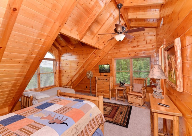 Pigeon Forge Cabin- Awesome Views Mountain Retreat– Bedroom 2