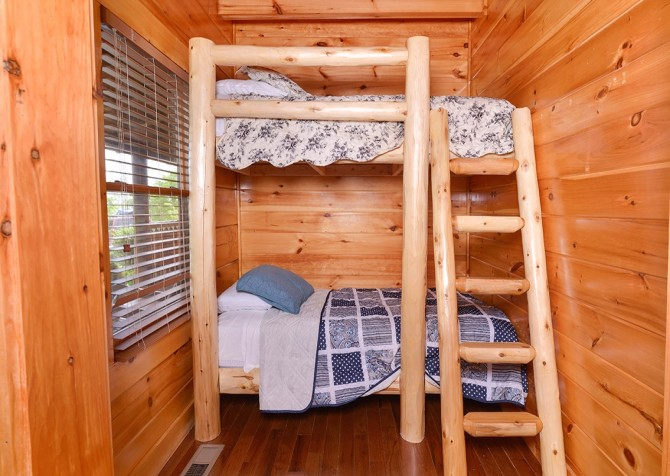 Pigeon Forge Cabin- Awesome Views Mountain Retreat– Bedroom 3