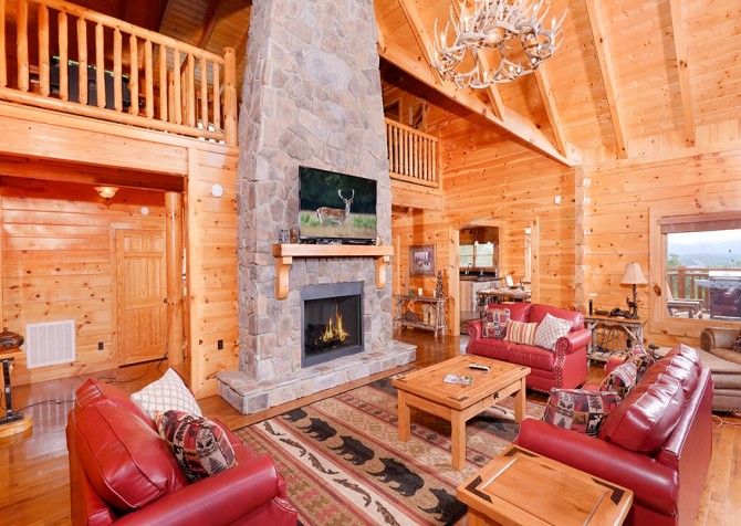 Pigeon Forge Cabin- Awesome Views Mountain Retreat– Living Room