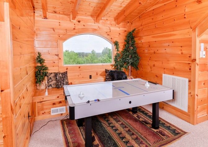 Pigeon Forge Cabin- Awesome Views Mountain Retreat– Foosball Table