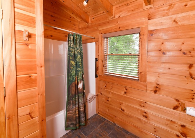 Pigeon Forge Cabin- Awesome Views Mountain Retreat– Bathroom 2 Shower